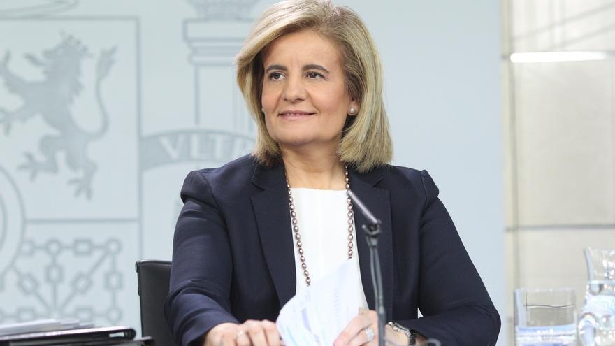 """Báñez pide a los grupos parlamentarios que suscriban el acuerdo """"de país"""" por el que se subirá el SMI"""