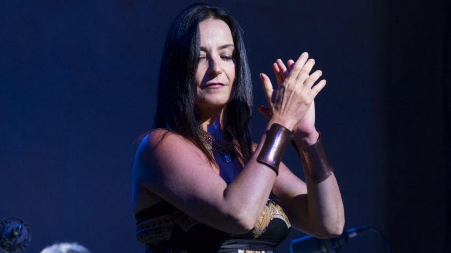 La artista Anna Luna en un momento flamenco