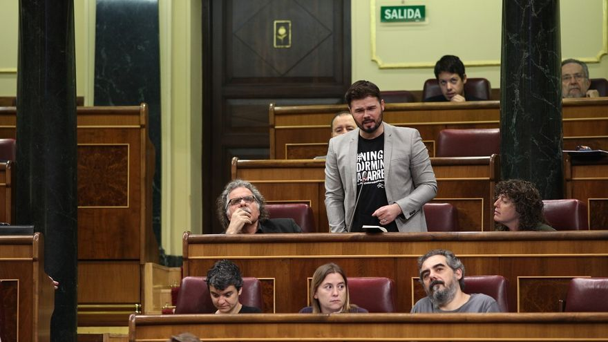 "Rufián (ERC) censura que Podemos llame ""movilización"" al 1-O: ""A su moción de censura no le llamamos tarde de picnic"""