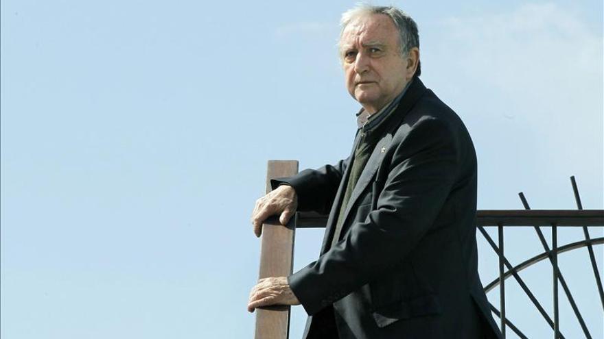 """La culpa del éxito de """"En la orilla"""" la tiene la desolación del país, dice Chirbes"""