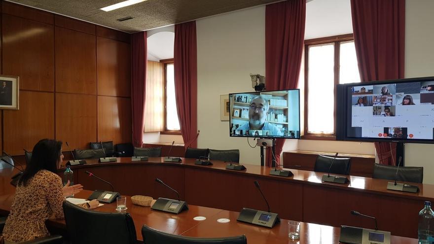Moreno comparecerá el viernes en Diputación Permanente y el Parlamento prevé el primer Pleno el 6 de mayo
