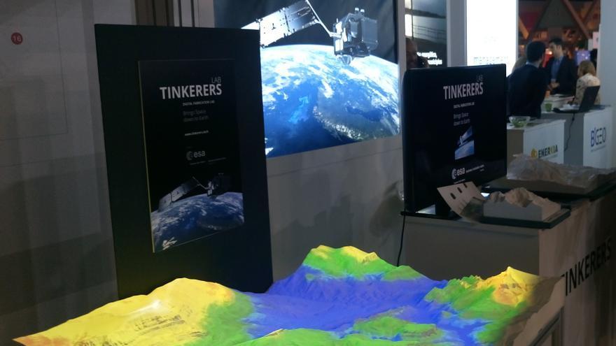 Modelos topográficos en 3D y piezas impresas con grafeno son los secretos de esta 'startup' para conquistar el espacio