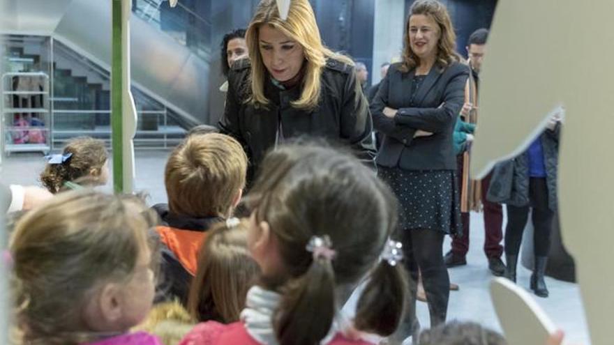 Susana Díaz y la consejera de Educación, Sonia Gaya.