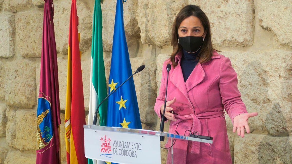 La portavoz del PSOE en el Ayuntamiento, Isabel Ambrosio, este lunes.