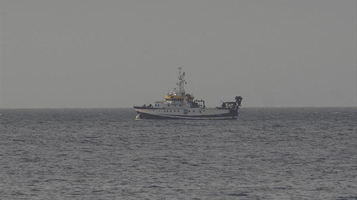 El buque Ángeles Alvariño
