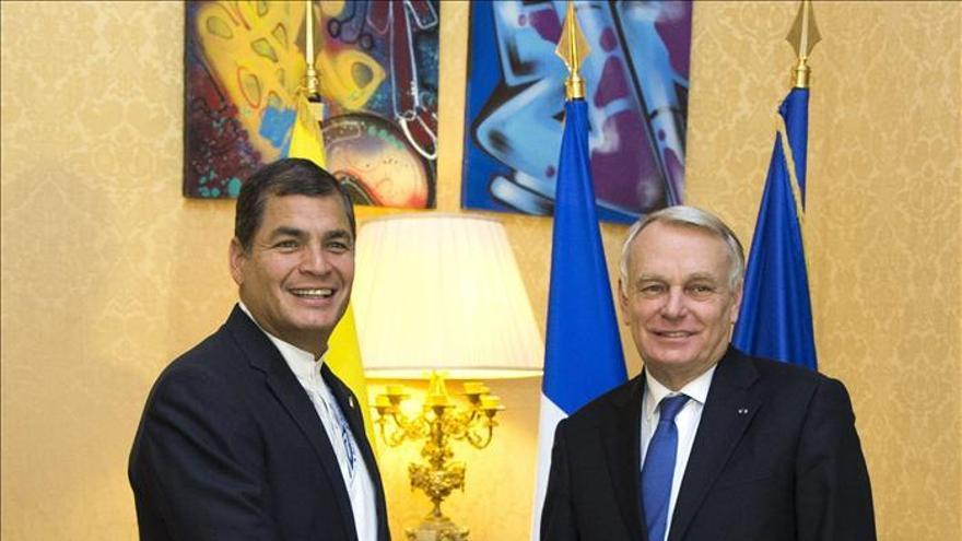 Correa apela en París a que Europa no repita los errores de Latinoamérica