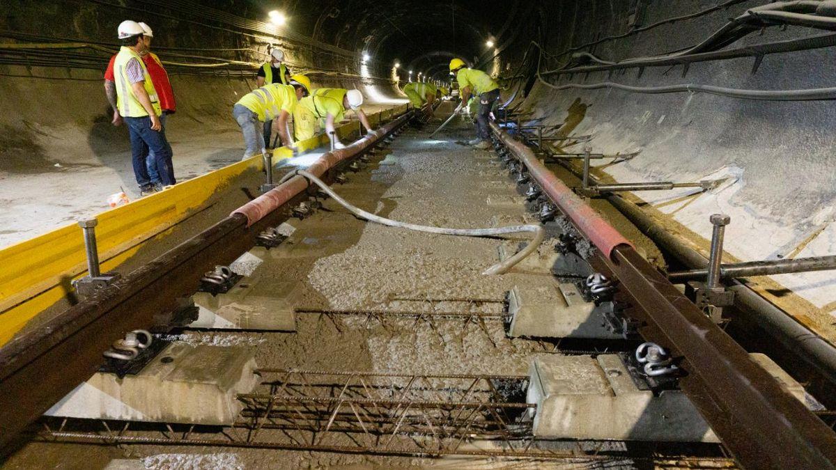 Operarios trabajando en las obras del túnel de Recoletos | ADIF