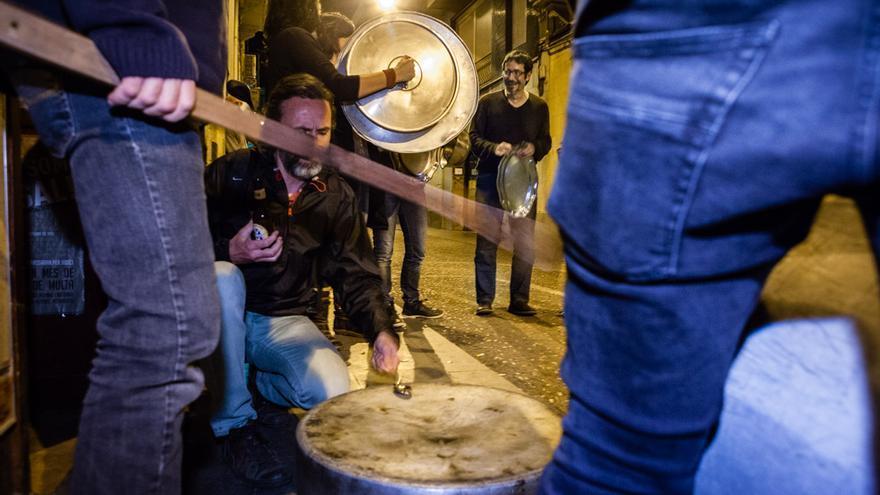 Caceroladas cada noche hasta el 9-N/ ENRIC CATALÀ
