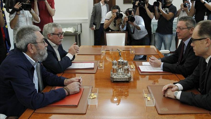 Ruiz-Gallardón se compromete a estudiar el indulto para seis sindicalistas