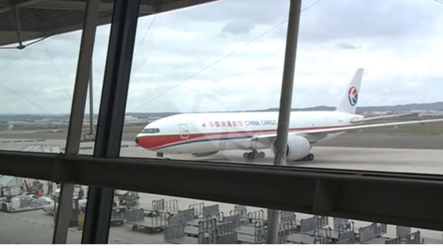 El avión recién aterrizado en Zaragoza.