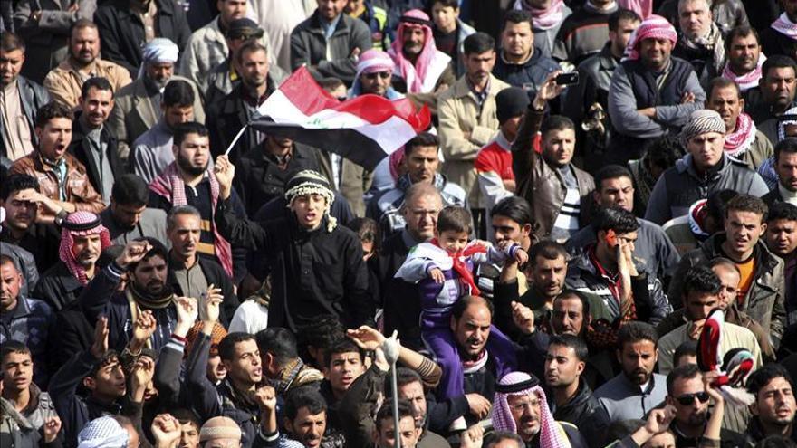 Mueren dos manifestantes en choques con el ejército iraquí en Faluya
