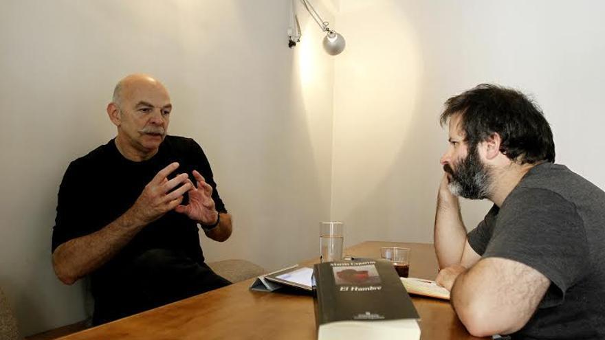 Edu Galán y Martín Caparrós | Marta Jara para eldiario.es