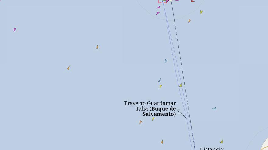 Mapa del lugar aproximado donde se produjo el naufragio (128 milllas de la costa de Maspalomas) y la ruta de ida y vuelta de la embarcación de Salvamento Marítimo