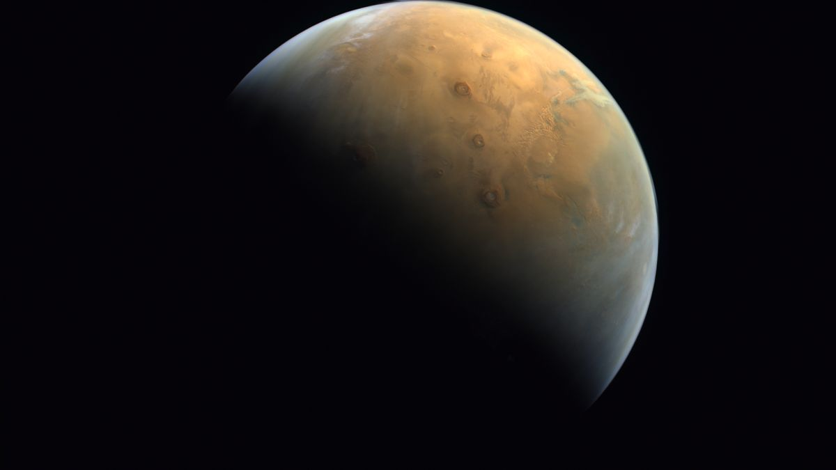 Marte a la vista. Imagen tomada por la sonda Hope de los Emiratos Árabes Unidos.