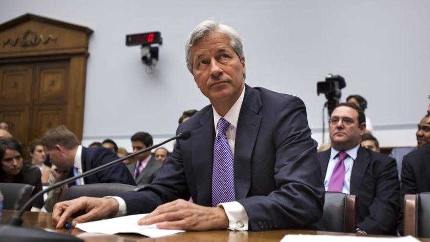 Junta directiva de JPMorgan aprueba subir el sueldo a su consejero delegado