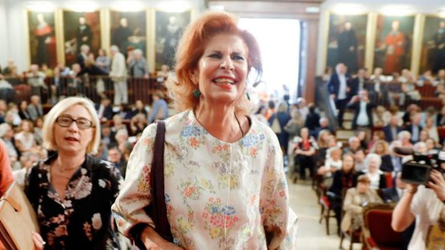 Carmen Alborch en el paraninfo de la Universitat de València