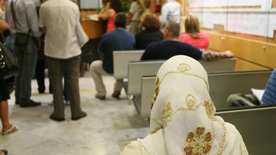 La justicia suspende cautelarmente la prohibición del burka en Reus