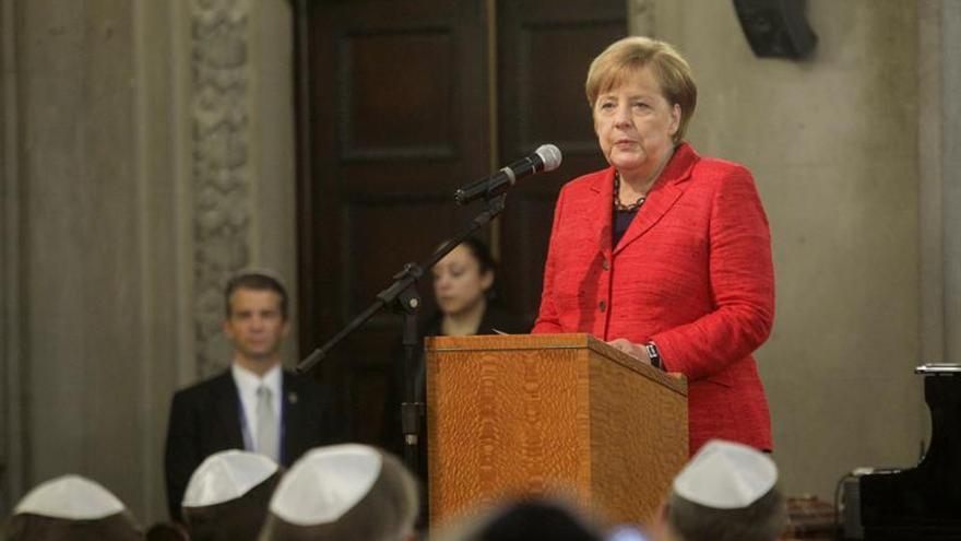 Merkel llama a una nueva alianza con África que impulse las inversiones