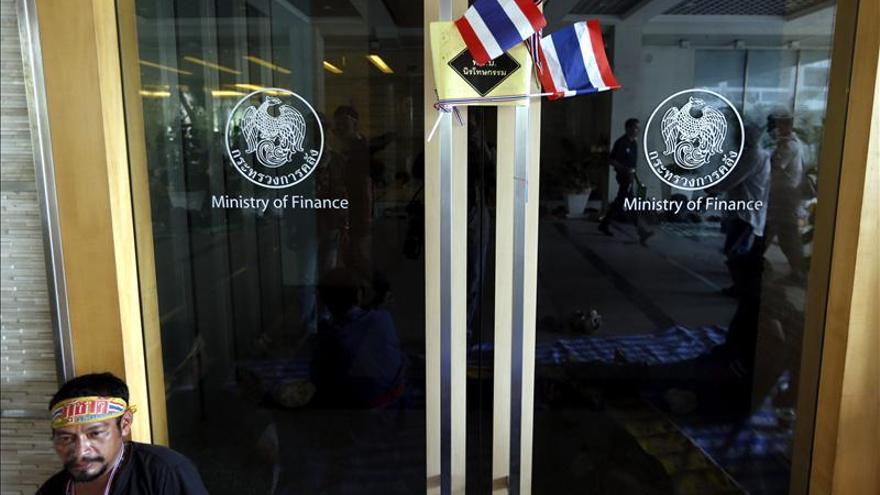 Los manifestantes continúan la ocupación de varios ministerios en Tailandia
