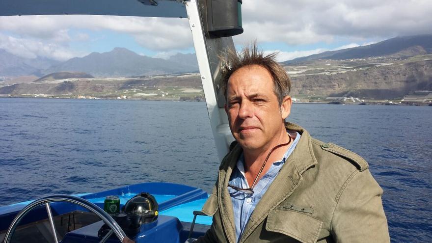 José Ramón Roca a bordo de la embarcación que patronea, Fancy II.