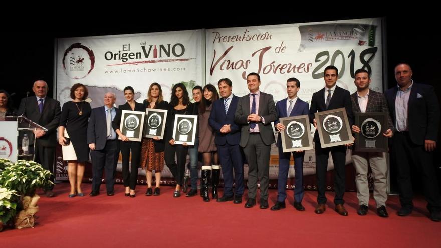 Foto de los premiados por la DO La Mancha