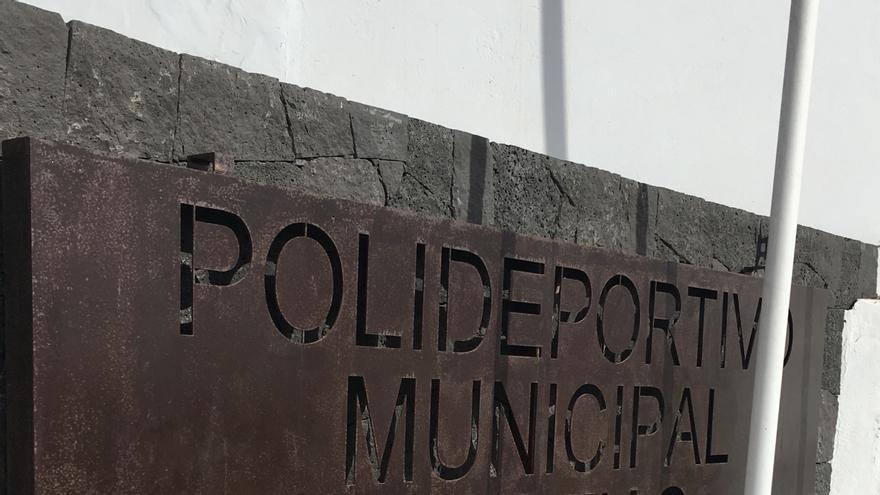 Panel del Polideportivo de Tías