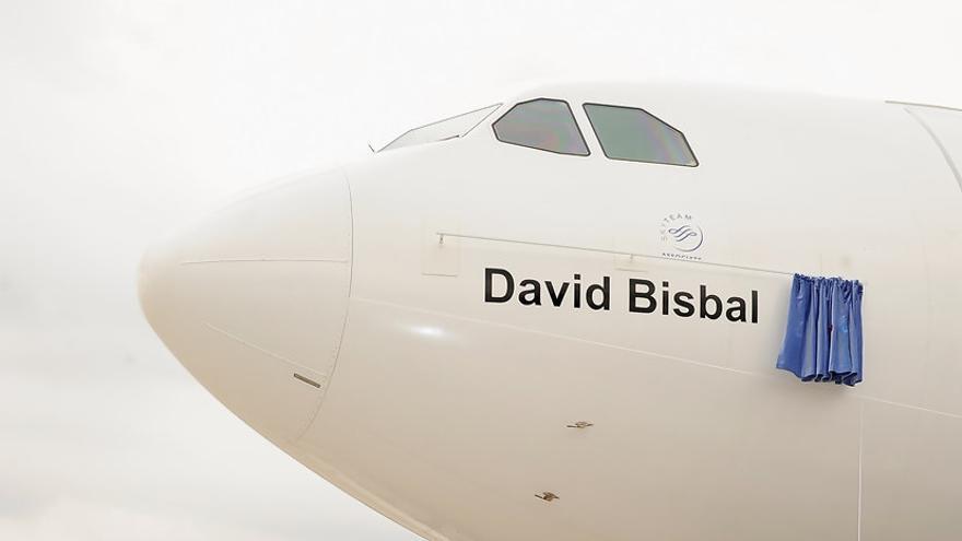 David Bisbal y el avión de Air Europa que lleva su nombre