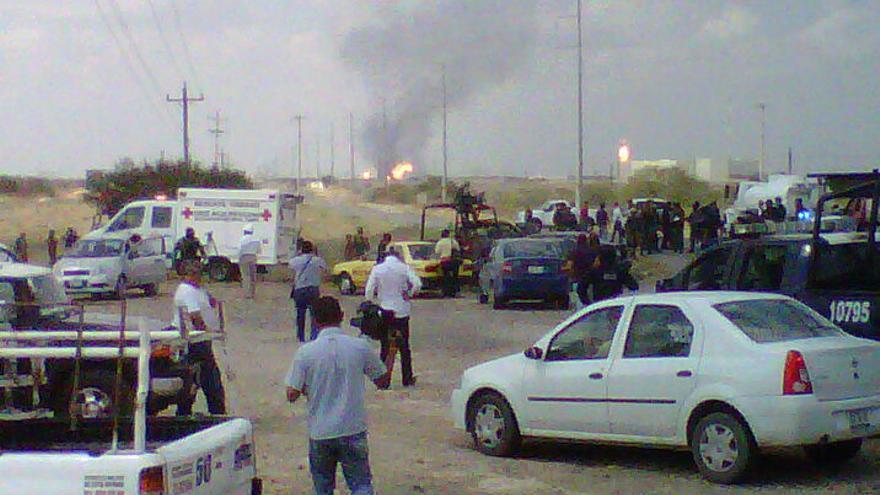 Pemex eleva a 10 los muertos por la explosión en una de sus plantas en México