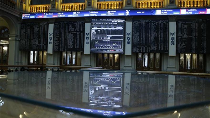 La bolsa española abre con un leve rebote y el IBEX sube un 0,32 por ciento