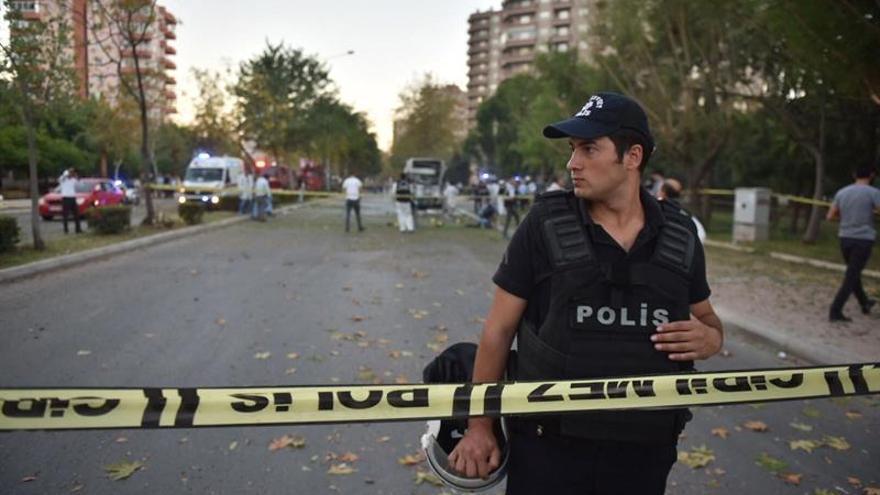 Dos muertos y nueve heridos en una operación policial contra el PKK en Turquía