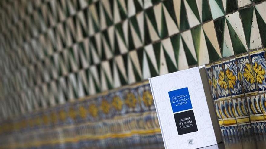 La nueva gramática catalana normaliza las variedades lingüísticas del catalán
