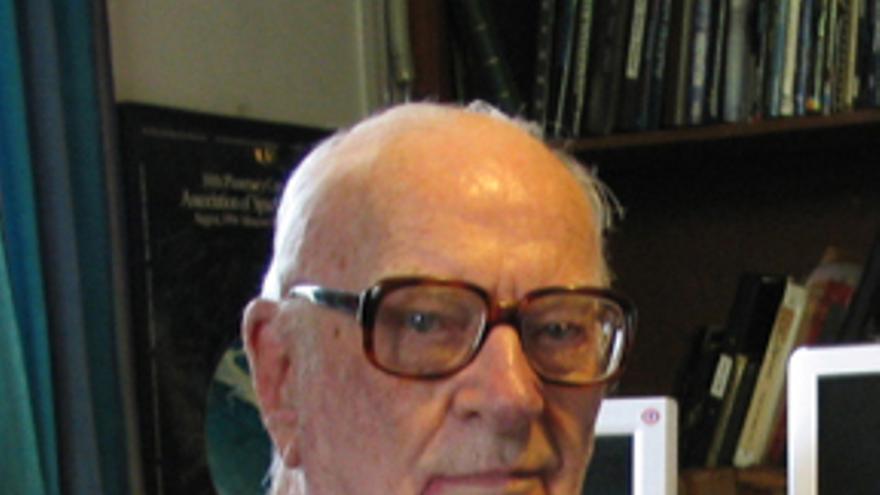 Arthur C. Clarke ganó el premio Nébula con un relato para 'Playboy' (Imagen: Wikipedia)