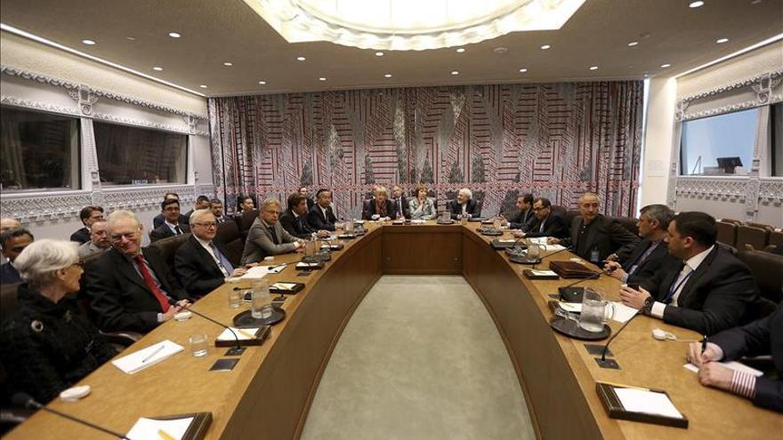 """EE.UU. define como """"dura, directa y seria"""" la ronda de negociación con Irán"""