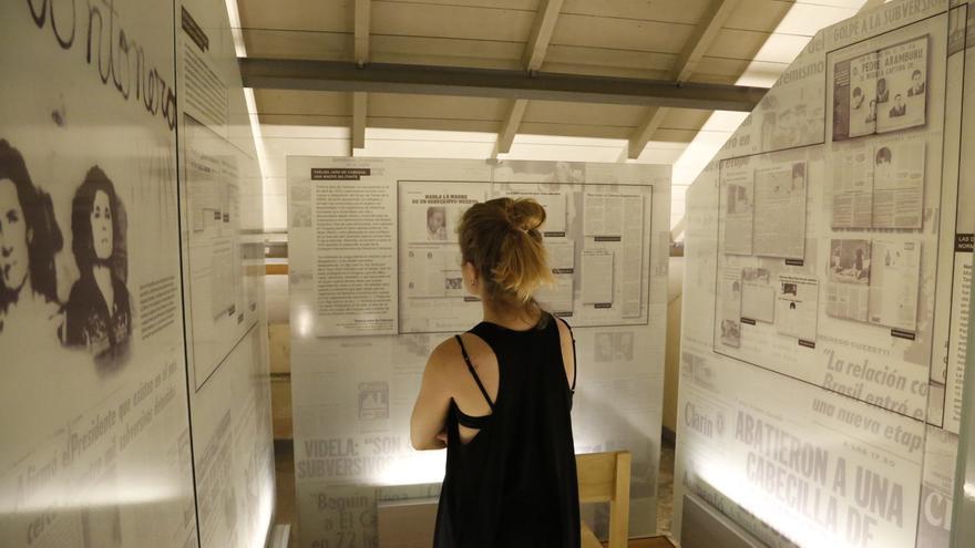 La Pecera, donde detenidos trabajaban como mano de obra esclava n el aparato de comunicación de los militares, muestra hoy ejemplos de los artículos de prensa de aquellos años.