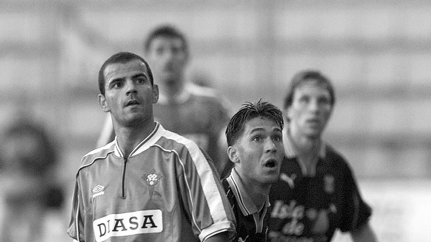 Jordi, vistiendo la camiseta del Ferrol.