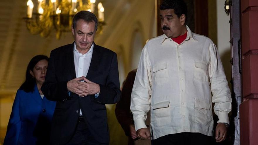 Zapatero se reunió con Maduro horas antes de la salida de prisión de López