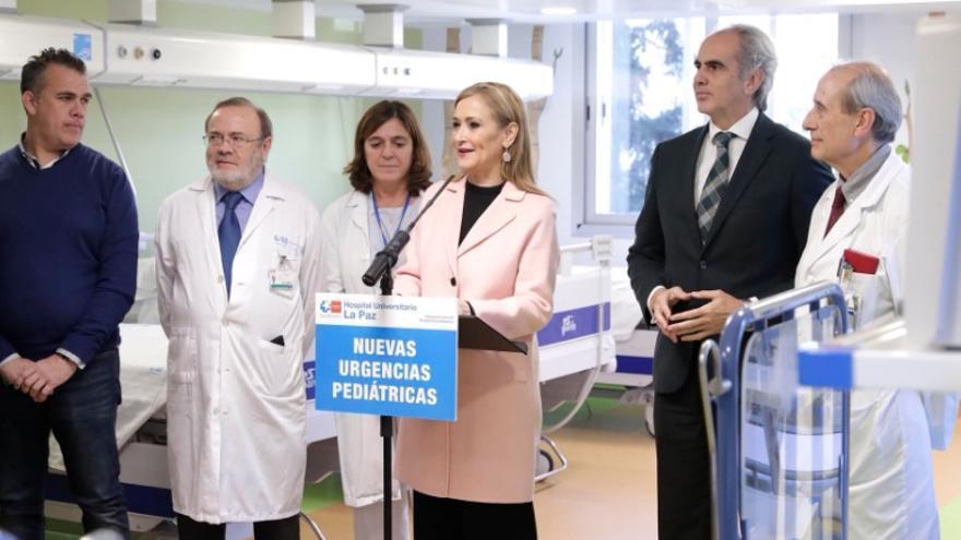 La presidenta Cristina Cifuentes, en la inauguración de las nuevas urgencias pediátricas de La Paz. / madrid.org
