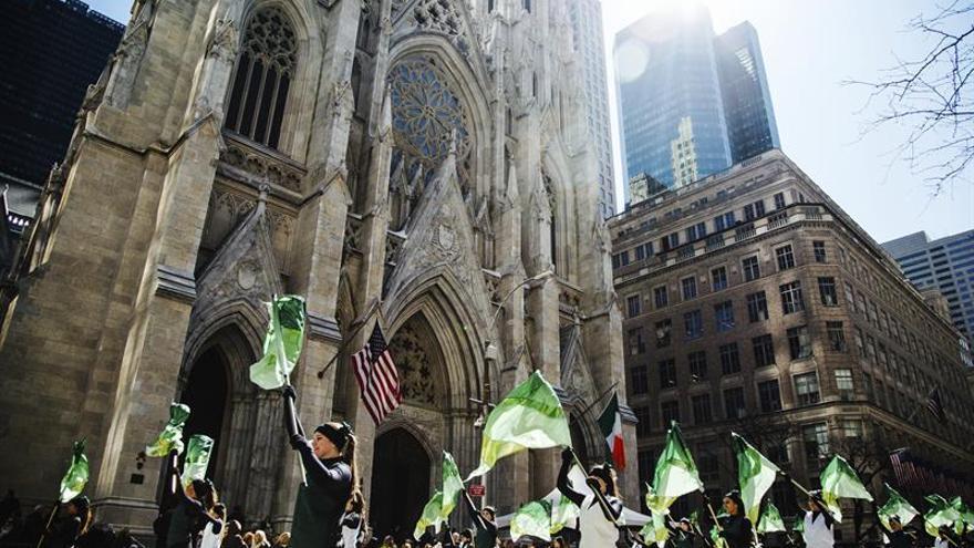 Nueva York rinde homenaje a su legado irlandés en el día de San Patricio
