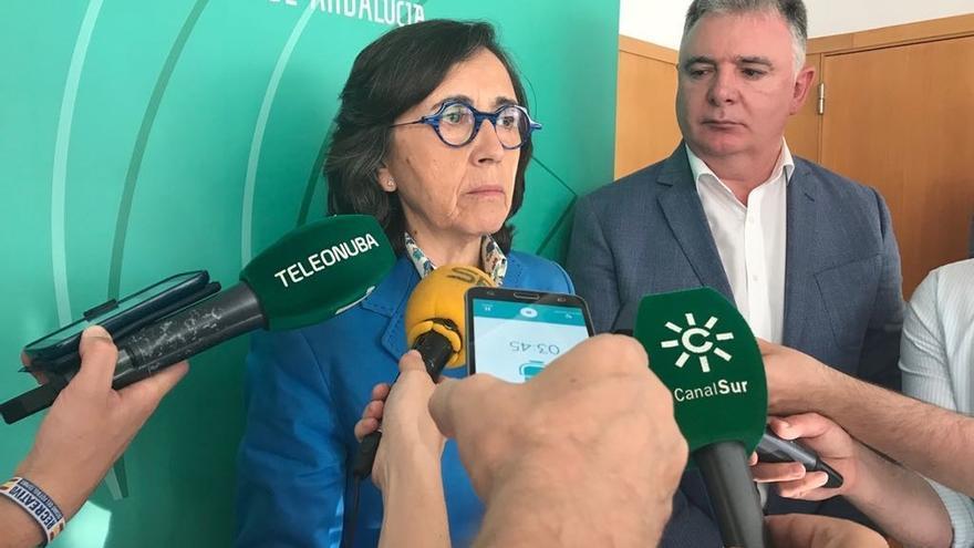 La Junta y sector fresero anuncian un protocolo de actuación para evitar abusos a temporeras