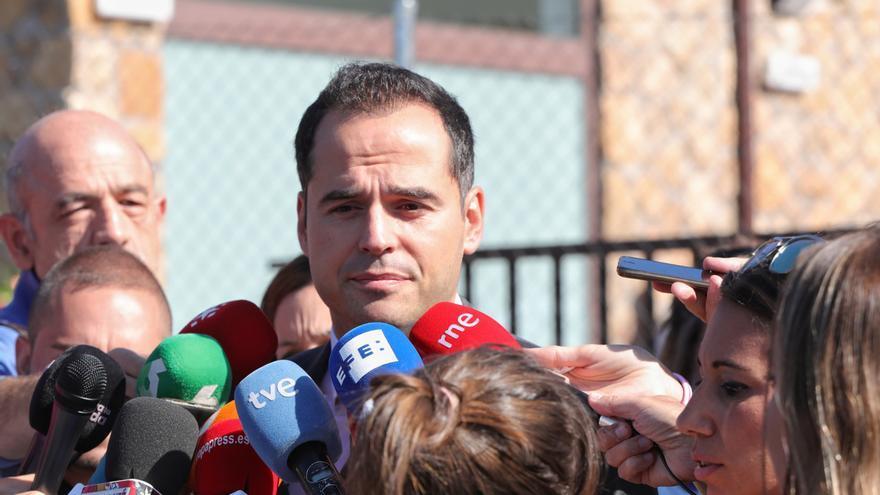 """Aguado exige a Sánchez que deje de """"hacer el paripé"""" y de seguir """"con el juego de la silla"""" con Iglesias"""