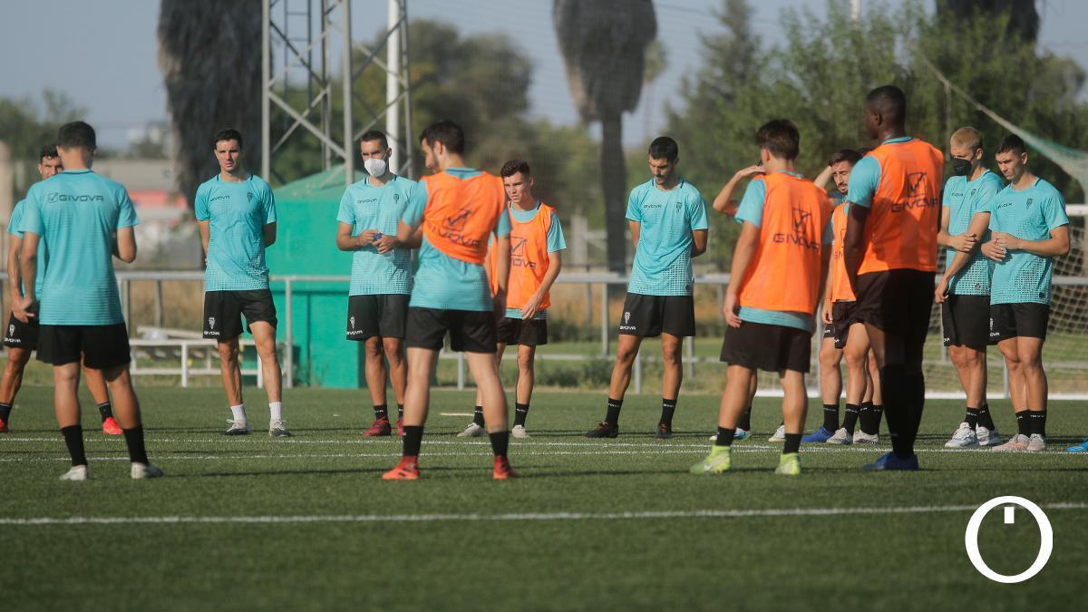Jugadores del Córdoba CF en un entrenamiento