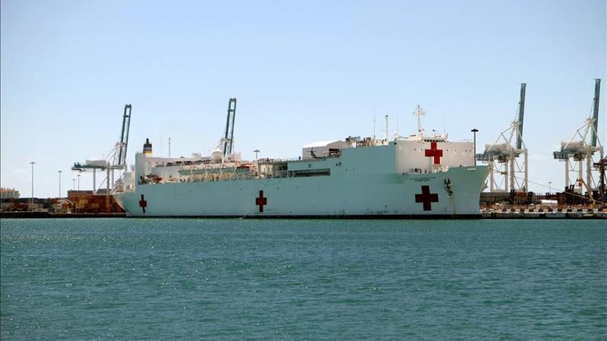 El buque hospital USNS Comfort de EE.UU. inicia operaciones en el Caribe panameño