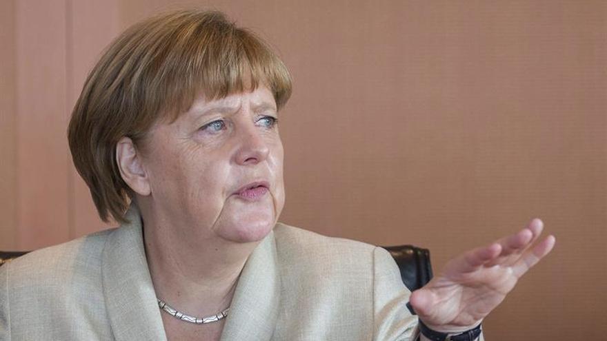 Merkel da luz verde a la petición de Erdogan contra humorista por injurias