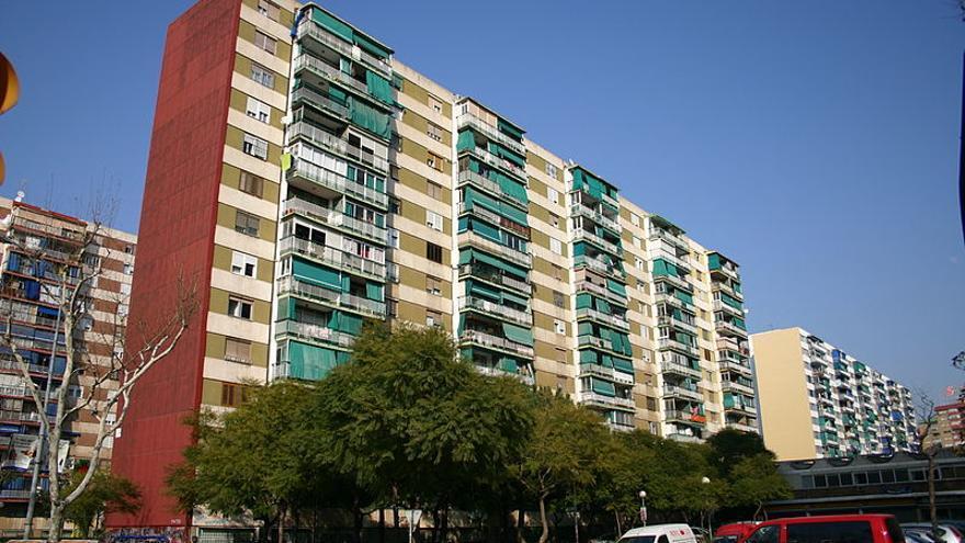 Bloque de pisos del barrio de Bellvitge (l'Hospitalet9