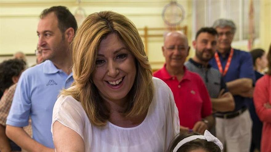 """Susana Díaz espera una """"alta participación"""" y no prevé unas nuevas elecciones"""