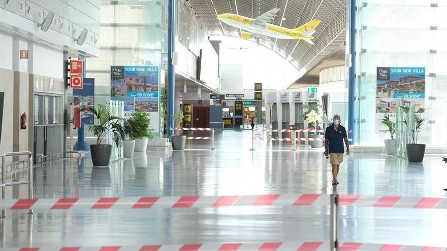'Fuerteventura, Las Parteras', el nuevo nombre que se baraja para el aeropuerto de la isla enciende la polémica