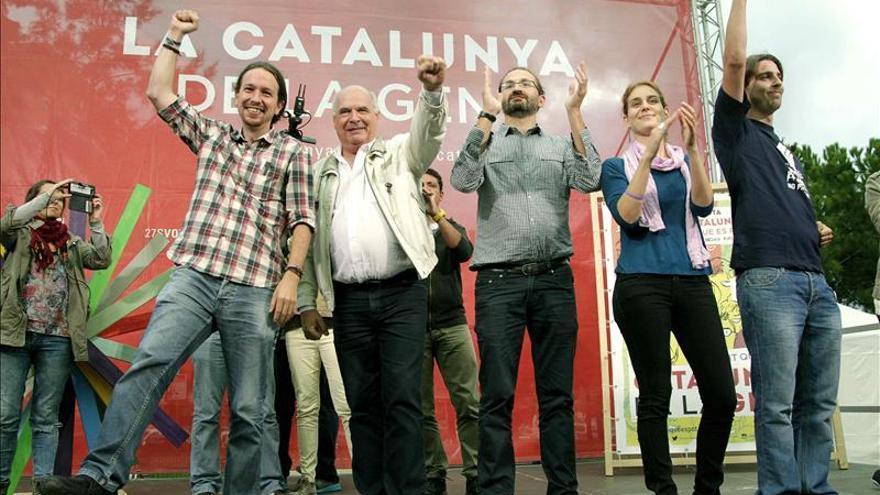 """Pablo Iglesias llama a la izquierda a """"quitarse de encima"""" a Mas y Rajoy"""