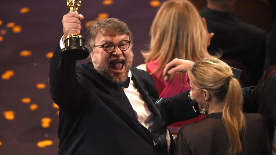 Guillermo del Toro, tras ganar el Oscar a mejor director por 'La forma del agua' / Chris Pizzello \ AP PHOTO