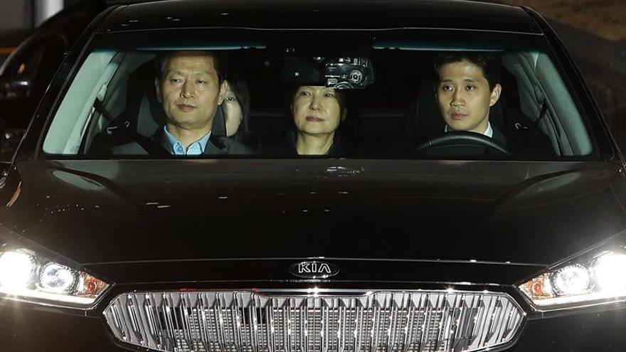 """La expresidenta Park pasa su primer día como presa por el caso """"Rasputina"""""""