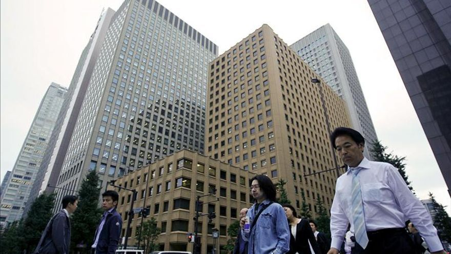 La debilitada economía de Japón encadenó en 2012 su cuarto año de deflación